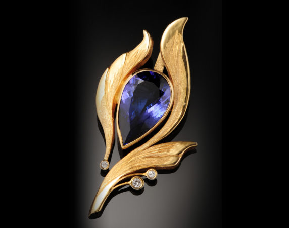 Pendant-18k-Tanzanite-and-Diamonds