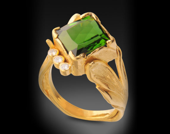 Ring-18k-Tourmaline-and-Diamonds