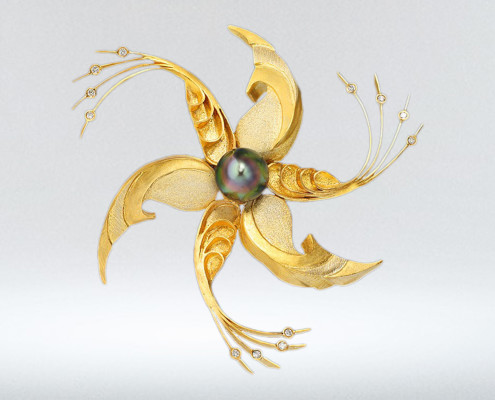 18k-Fiji-Pearl-Diamonds-Brouch-jewelry-design